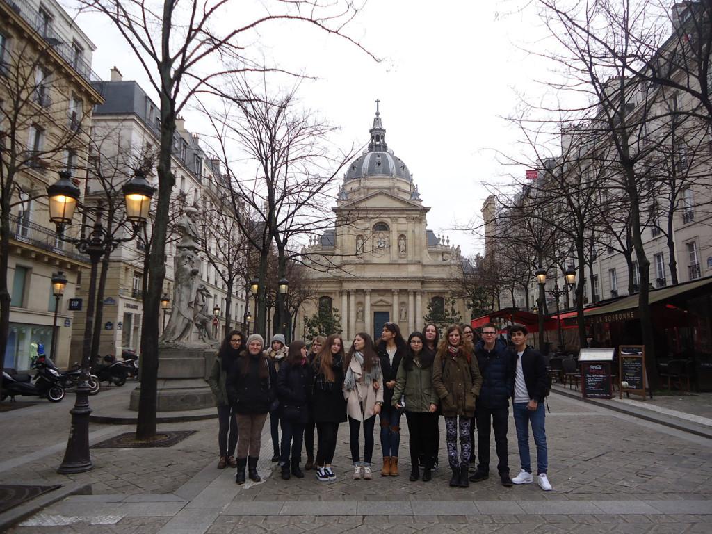devant-la-Sorbonne